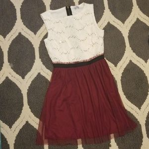 Dresses & Skirts - Maroon and white dress